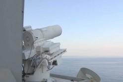Démonstration du nouveau Laser anti-drone de l'US Navy