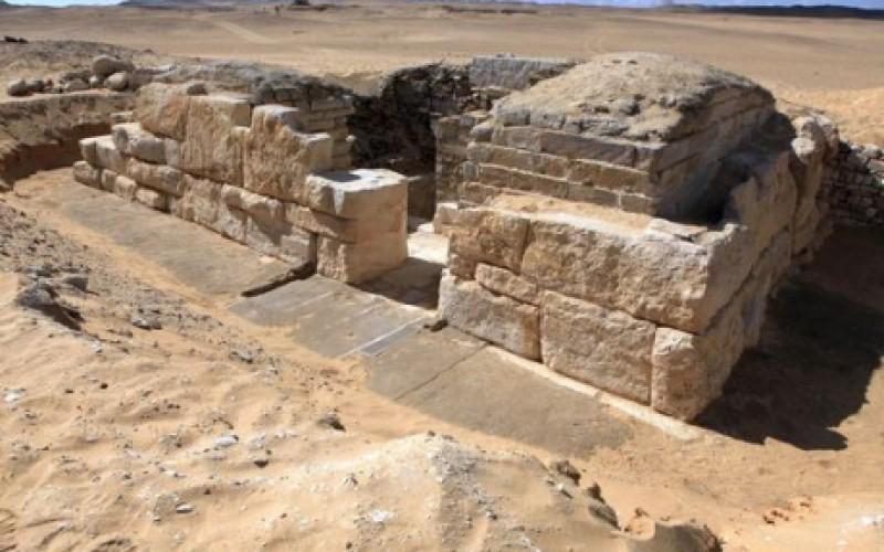 Egypte : découverte de la tombe d'une reine pharaonique inconnue