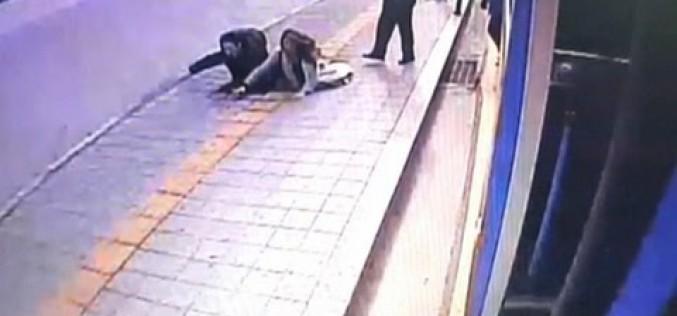 Insolite : Deux piétons engloutis par un trou en Corée du Sud