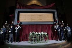 Le Saint Suaire exposé à Turin, un million de personnes attendues