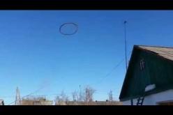 Kazakhstan: un anneau noir non identifié dans le ciel intrigue…