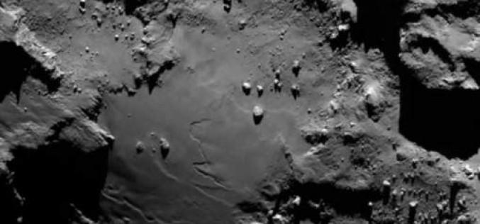 """De la vie sur la comète """"Tchouri""""?"""
