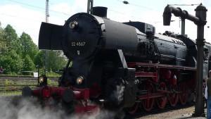 1280px-Steam_locomotive_RN_52_4867_0