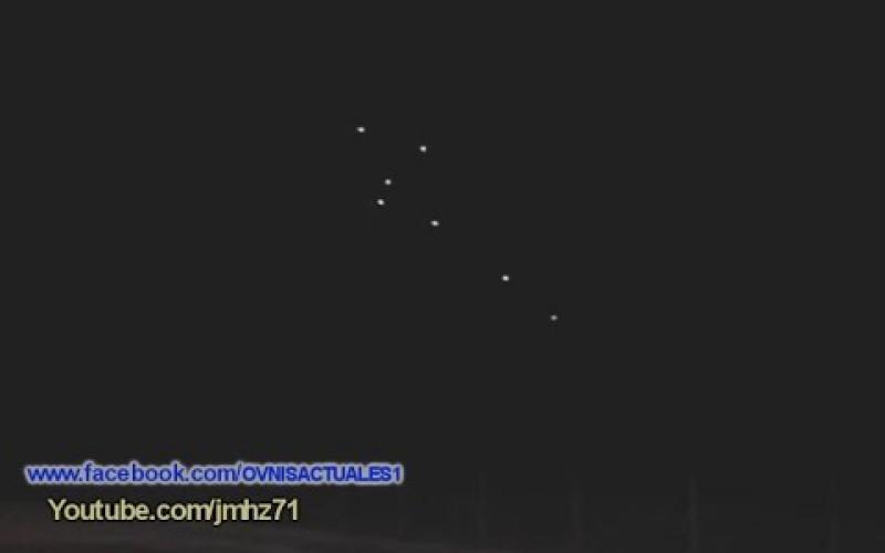 Flotte d'ovnis filmés de nuit à Sao Paulo (Brésil, 23/12/2015)