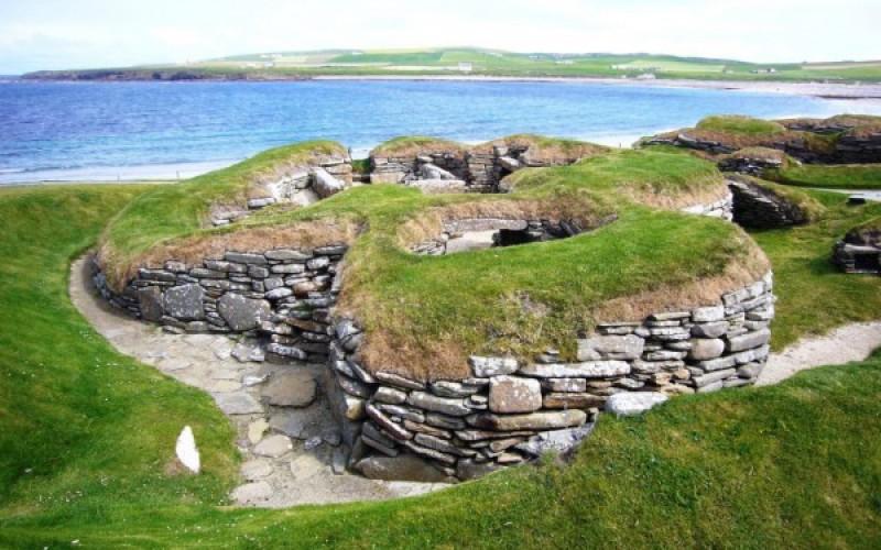 Le village de Skara Brae en Écosse