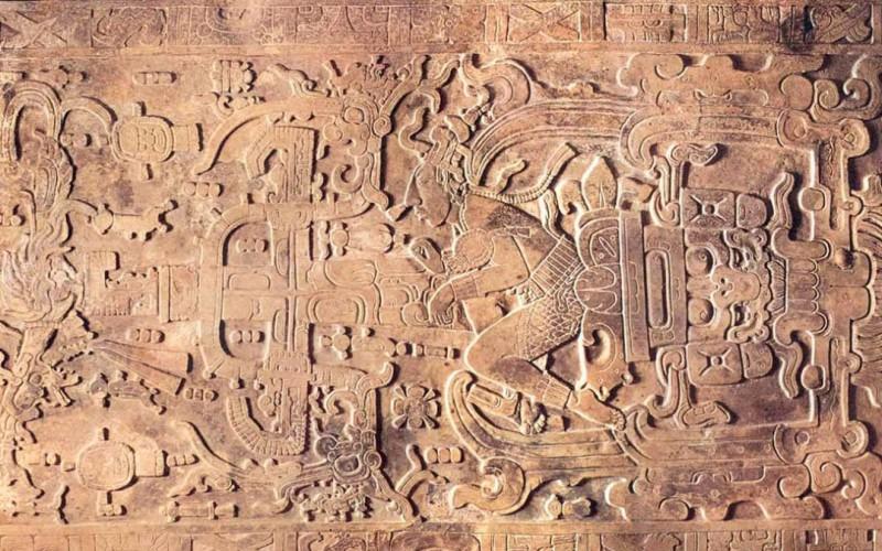 Un ado découvre la 5ème plus grosse cité maya en observant les constellations !