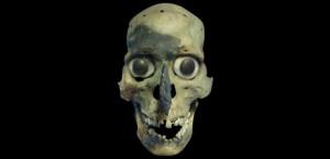 Un masque-crâne Aztèque découvert sur le site du Templo Mayor à Mexico, l'antique Tenochtitlan.