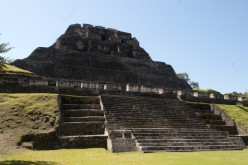 Xunantunich: découverte du plus grand tombeau maya du Belize
