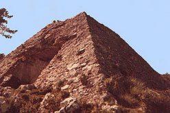 Des pyramides dans les Alpes Maritimes ?